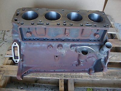600 601 640 641 650 651 660 2000 Ford Tractor 134 Engine Block New Sleeves