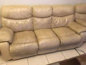 3 Piece Leather Recliners Lounge Suite Can Deliver