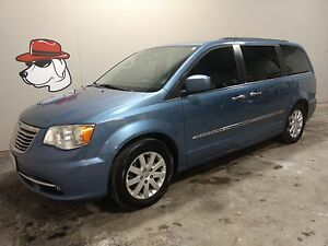 2012 Chrysler Town & Country Touring  ***Located in Owen Sound**