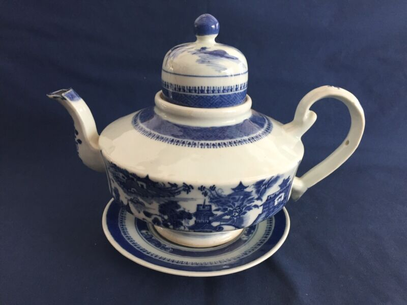 Antique Chinese Export Blue & White Nanking Dome Top Teapot & Underplate