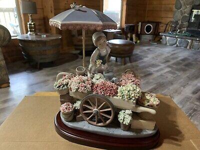 Lladro Figurine 1454 Flowers of the Season