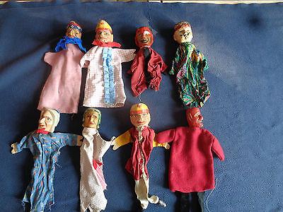 8 sehr alte Kasperltheater Puppen mit Handgeschnitzten Köpfen ca. 1930