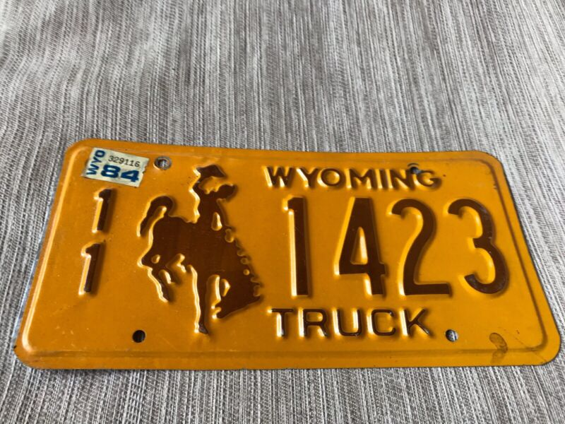 1984 WYOMING LICENSE PLATE 11 1423