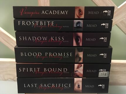 Vampire Academy: Richelle Mead - Books 1 - 6
