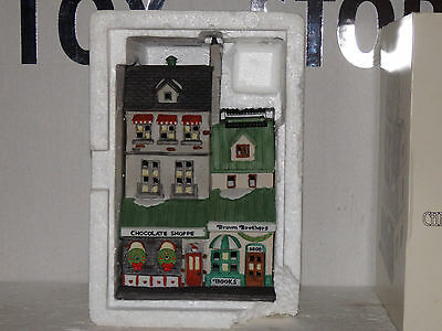 """DEPT56 CHRISTMAS IN THE CITY #5968-4 """" THE CHOCLATE SHOPPE"""""""