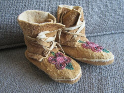 Vintage Authentic Native American FLORAL Beaded Moccasins~Infant size!