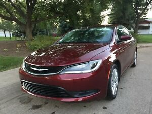 2016 Chrysler 200 in excellent condition
