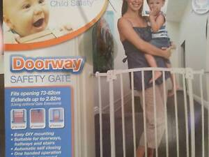 PERMA CHILD SAFETY GATE Heathwood Brisbane South West Preview
