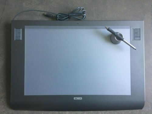 Wacom Intuos3 12x19 Graphics Tablet (PTZ-1231W)