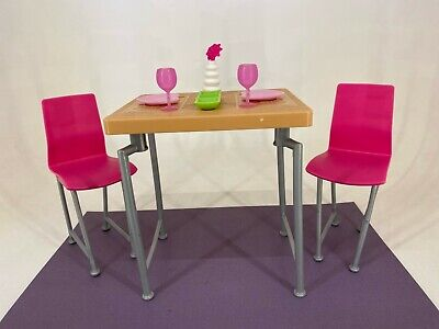 Mattel - Barbie - Table and Chair Set with Accessories - Lot