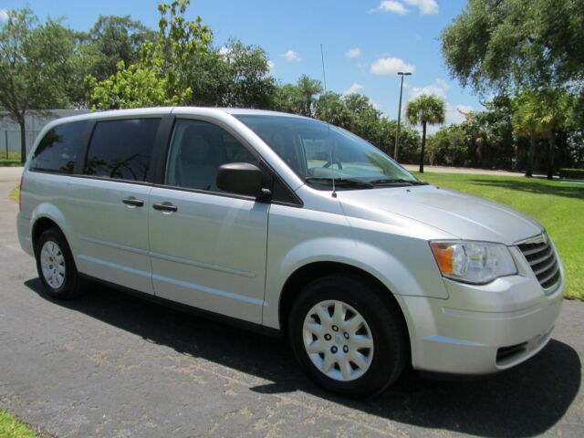 2008 town and country lx mini van 2 owner accident free 4 new tires today used chrysler. Black Bedroom Furniture Sets. Home Design Ideas