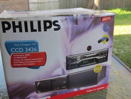 Philips 6 CD multiple cd stacker, cassette player & car radio