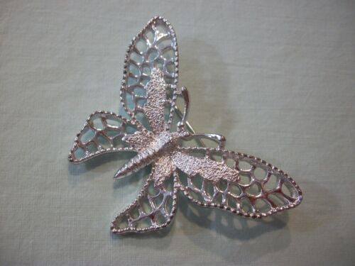 ViNTaGE SARAH COVENTRY~FRoSTeD FiLiGREE SiLVeRToNE MeTaL~>LARGE< BuTTERFLY PiN