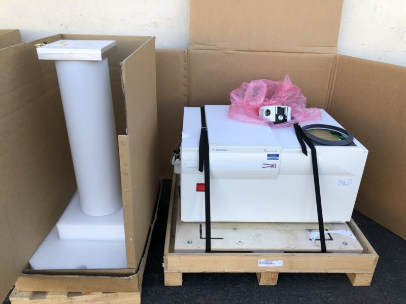 Agilent 6220 Accurate-Mass Time of Flight Mass Spectrometer TOF LC/MS G6220A