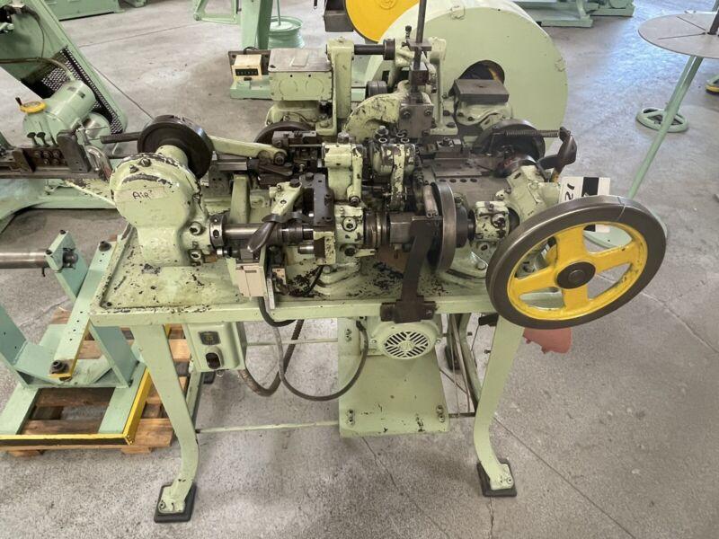 Nilson mdl. S-00 4-Slide Machine s/n 65785 w/ Wire Straightener (L127)