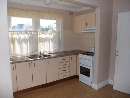 2mins walk to trains, close to city, clean & spacious 2bed unit Canterbury Canterbury Area Preview
