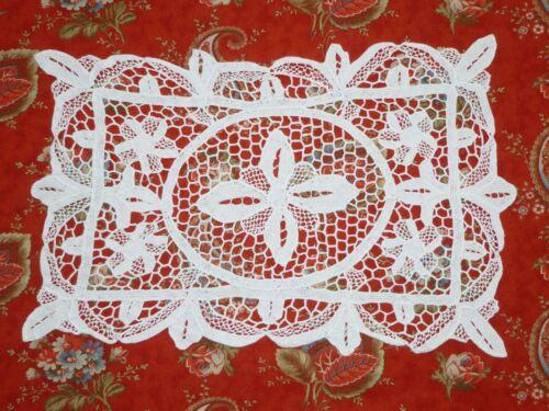 Antique White Linen & Handmade Point De Venice Lace Placemats 8 pc set