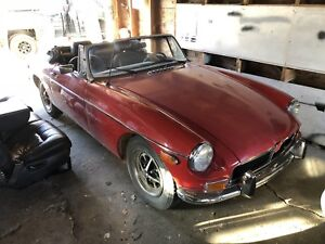 1973 MGB SOLD PENDING PICK UP