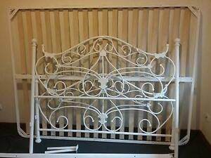 Queen white metal bed frame Bomaderry Nowra-Bomaderry Preview