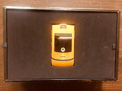 Usado, Limited Edition Dolce Gabbana RAZR V3i Exclusive GOLD NUMBER 0686/1000 RARE NEW comprar usado  Brazil