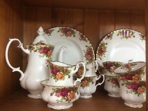 Antique Royal Albert china. Murrumba Downs Pine Rivers Area Preview