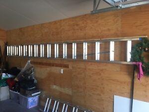 32 Foot Aluminum Ladder