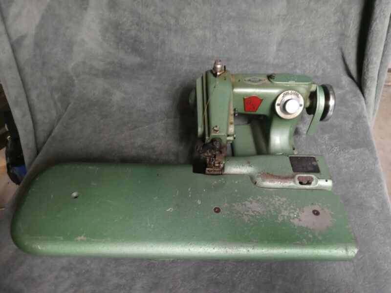 United States Blind Stitch Sewing Machine 718-9