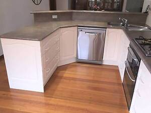 Second Hand Kitchen for sale Westmeadows Hume Area Preview