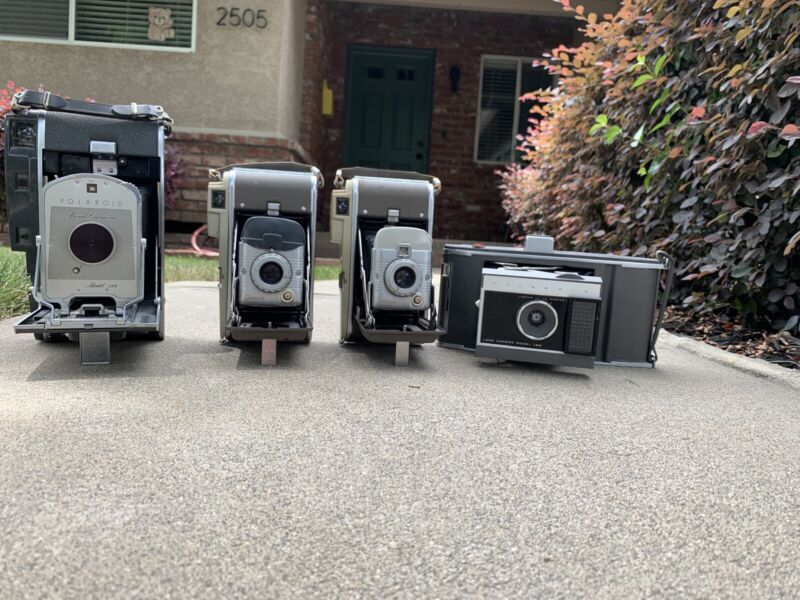 LOT OF 4 VINTAGE POLAROID CAMERAS 150, 80a And J66!