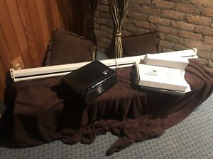 HD Projection TV & Screen For Sale