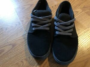 Men's size 6 Vans sneakers