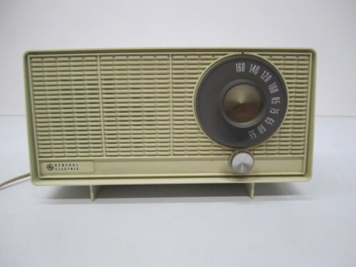 Vtg Mid Century 1960s General Electric GE Model T-1110A AM Tube Radio As Is