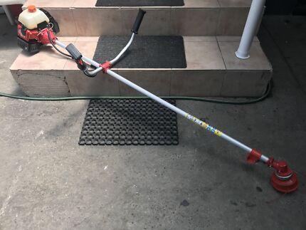 Whipper snipper bush trimmer commercial straight shaft 2 Stroke
