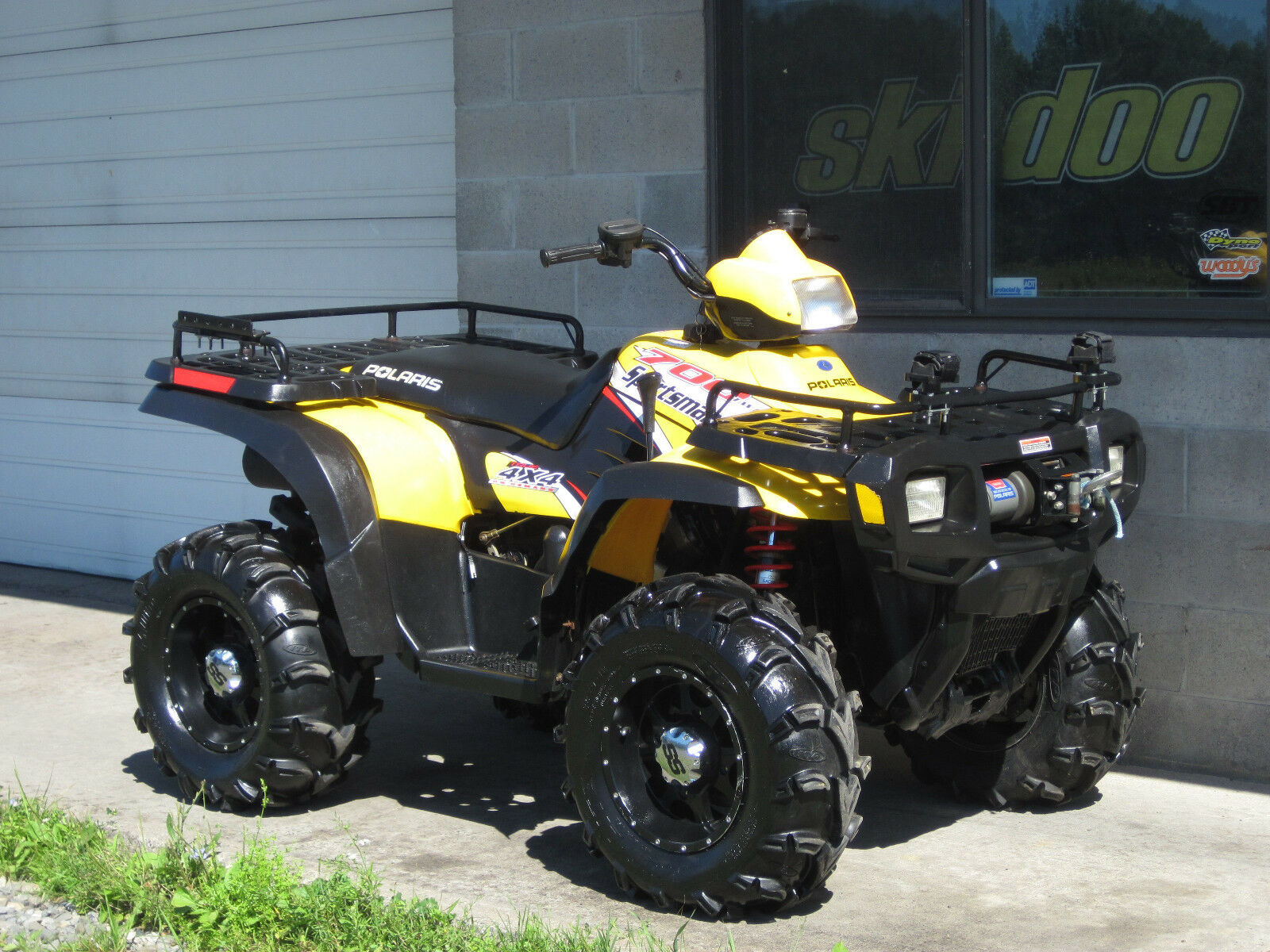 2004 polaris sportsman 700 twin 4x4 low miles cheap ship winch xp atv quad itp r used polaris. Black Bedroom Furniture Sets. Home Design Ideas