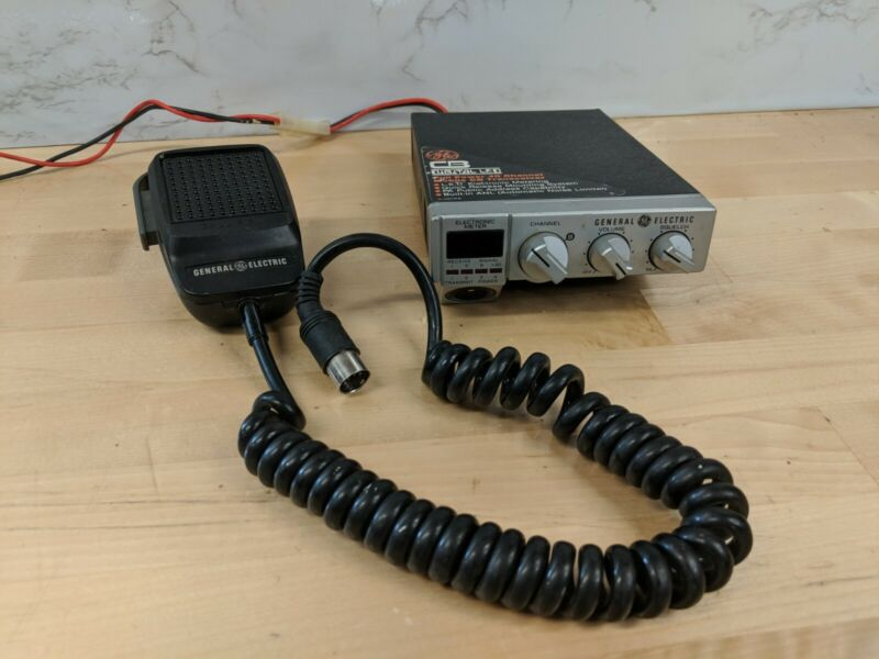 General Electric CB Transceiver Radio 3-5806A, w/ GE Mic EA68X63B