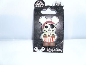 Disney * SKELETON PIRATE - 3D VINYLMATION PIN * New On Card Trading Pin