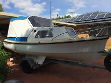 Savage Dolphin 4.9m Half Cabin Cruiser Thornlie Gosnells Area Preview