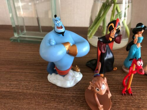 Disney Aladdin Set of 7 Assorted Play  Figures / Cake Toppers -Collectable