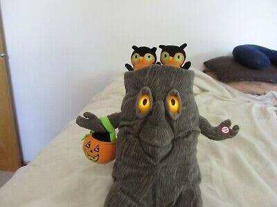 Unique Hallmark Halloween Tree Stump With Two Owls AnimatedSinging Plush Figure!