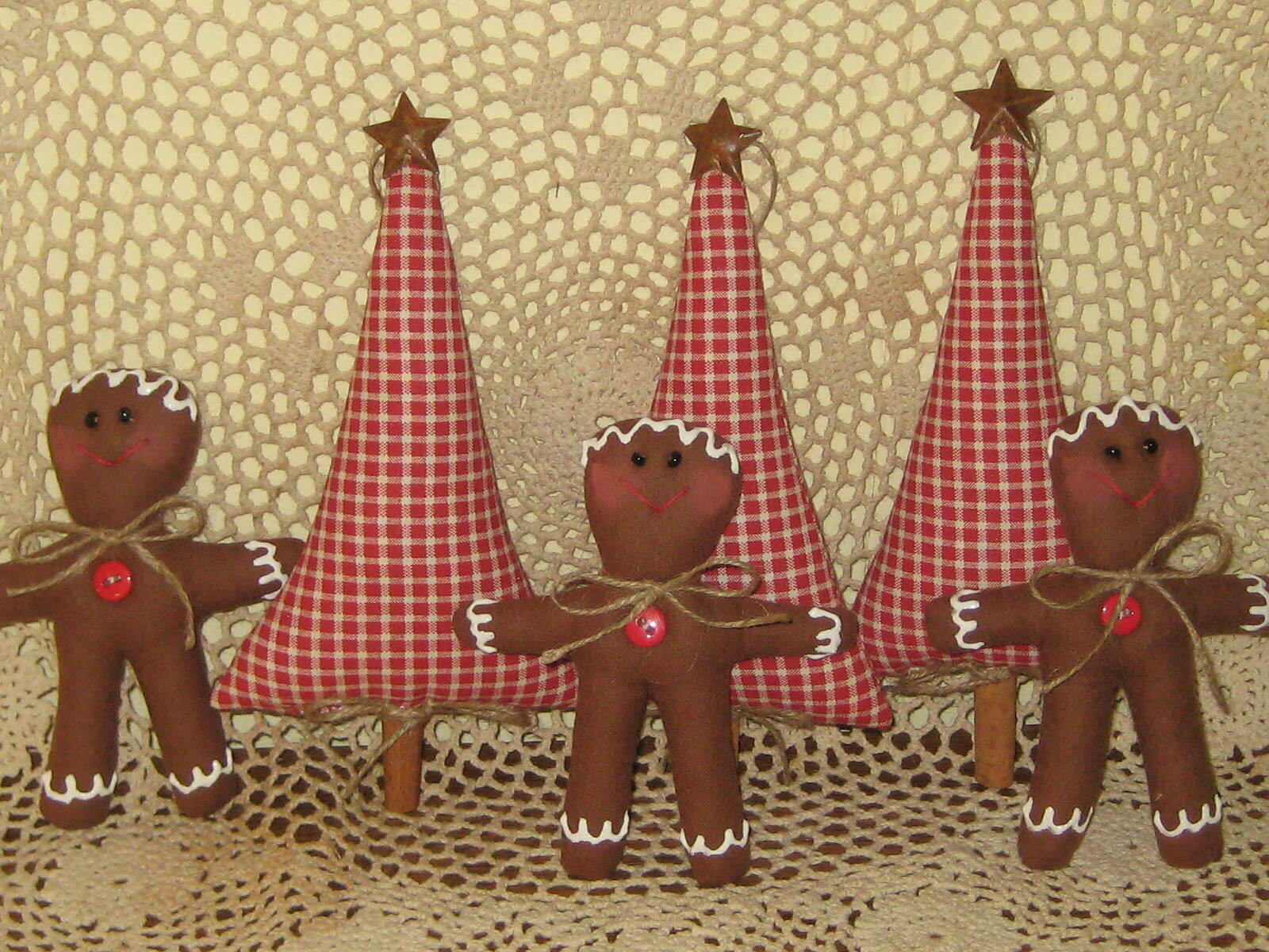 Country Christmas Handmade Fabric 3 Gingerbread 3 Trees Wreath Making Home Decor - $24.95