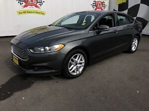 2015 Ford Fusion SE, Automatic, Back Up Camera, 70, 000km