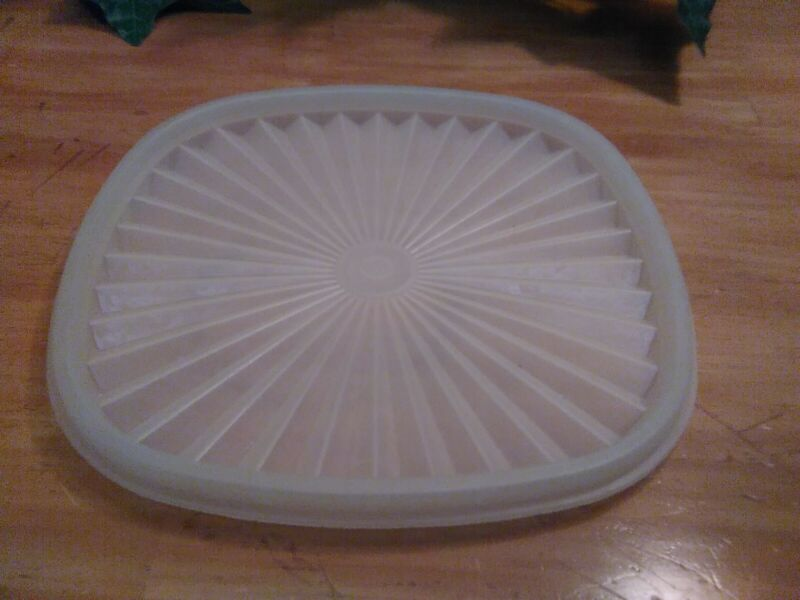 """VTG Tupperware 7"""" SERVALIER Replacement Lid #839 ~Opaque WHITE Square"""