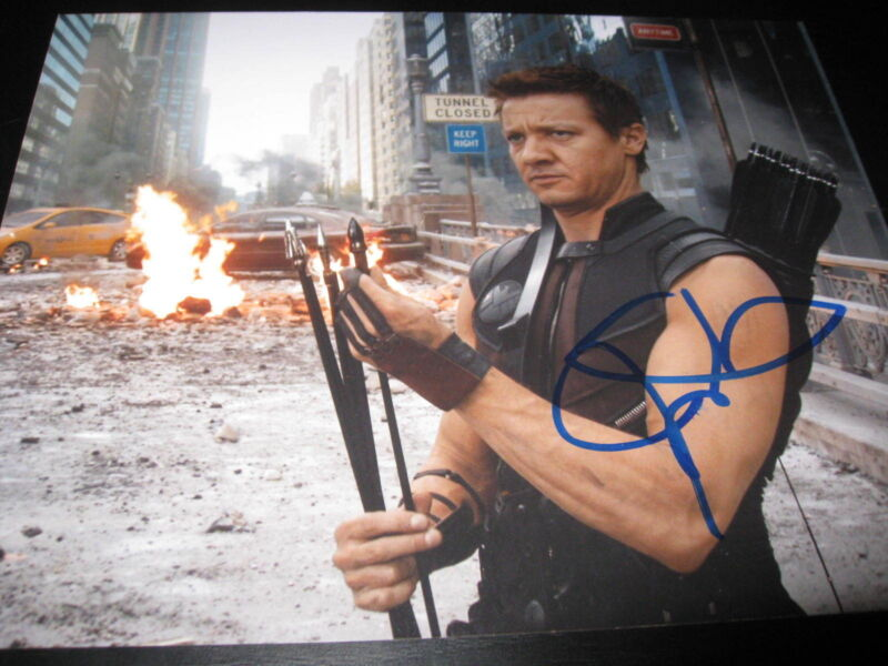 JEREMY RENNER SIGNED AUTOGRAPH 8x10 PHOTO AVENGERS PROMO IN PERSON COA NY J