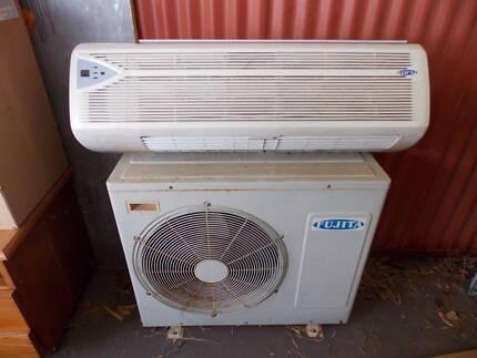 Fujita Reverse cycle split system air conditioner