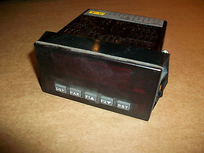 Red Lion Digital Panel Meter  Dp5d0000   Used
