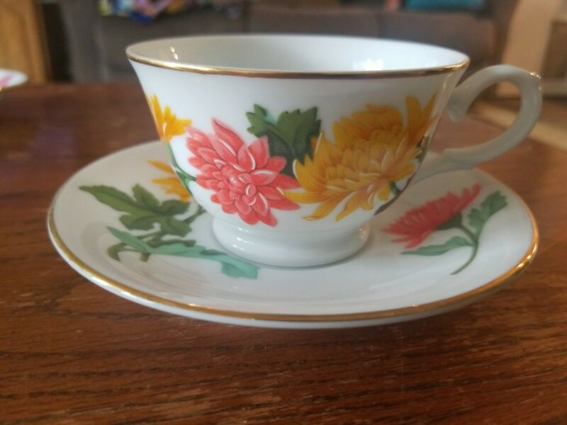 Avon November Chrysanthemum Tea Cup and Saucer Blossoms of the Month Series 1991