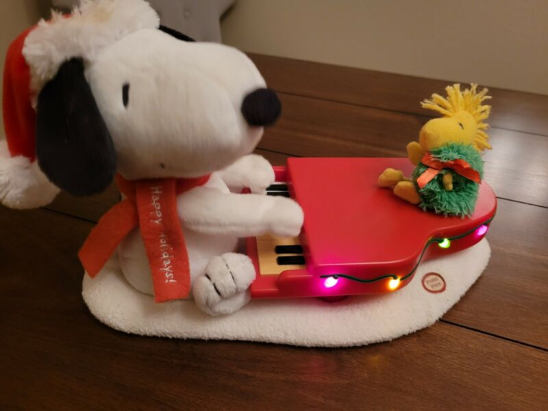 HALLMARK JINGLE PALS SNOOPY WOODSTOCK PLAYING PIANO WITH MOVEMENT