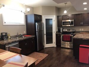 Fully Furnished 3 bed 1 bath for May 5