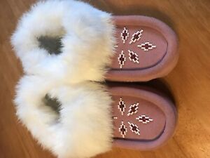 Size 10 native slippers