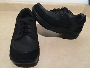 Women's Stretch Walker Shoes Size 11.5 London Ontario image 1